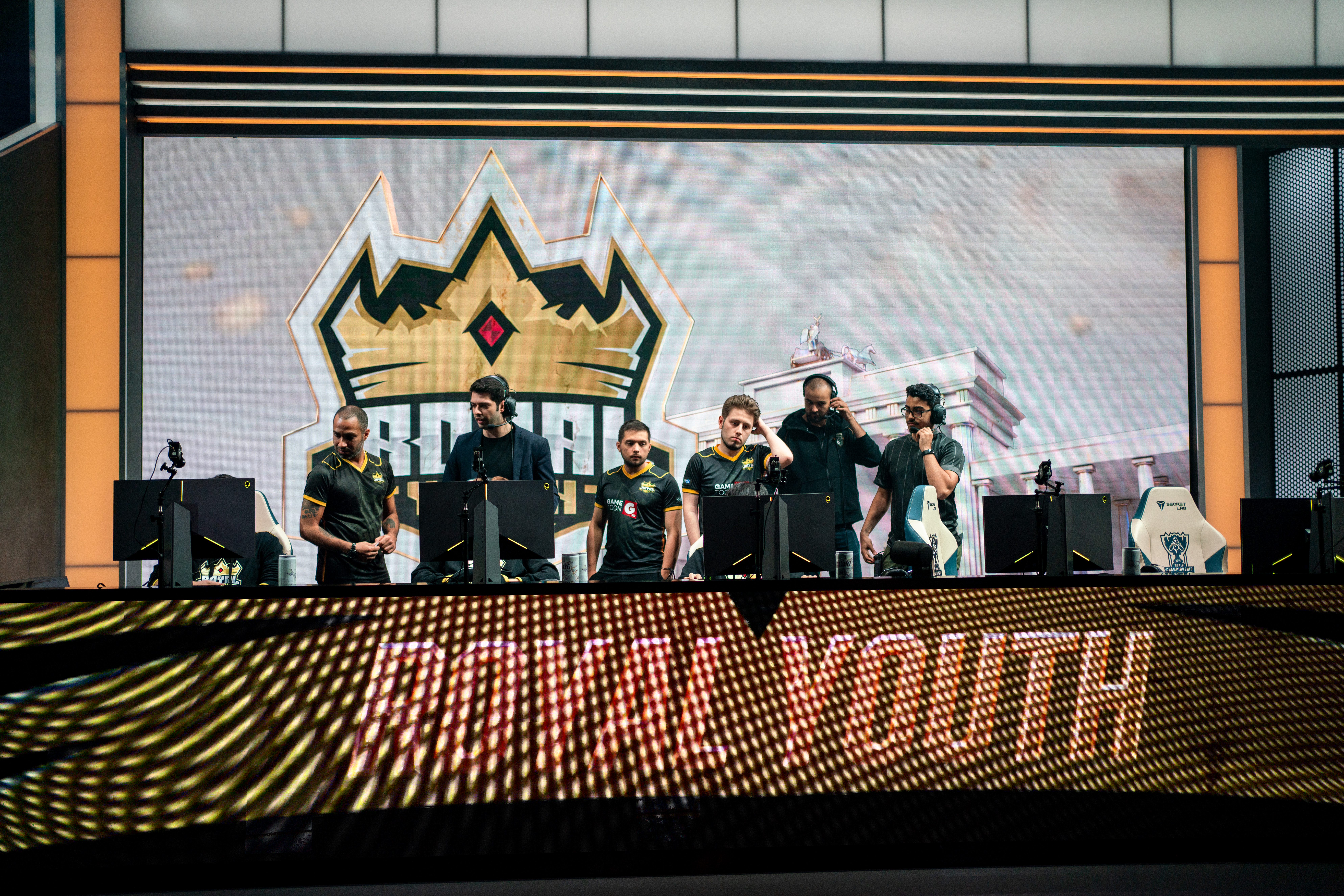 Royal Youth, Worlds 2019'a Veda Etti