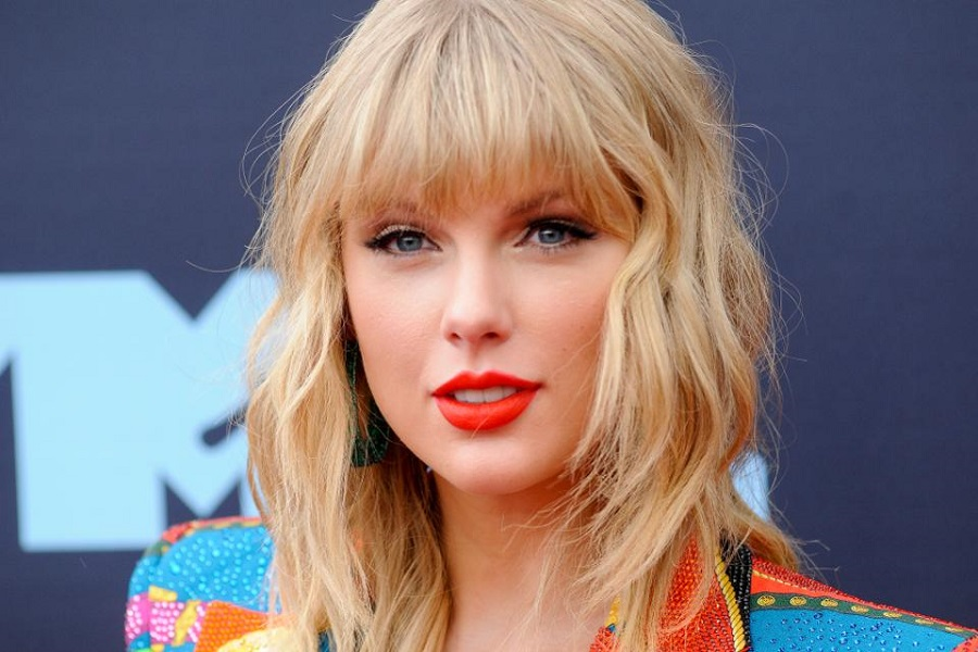 "Taylor Swift'in Yeni Şarkısı: ""Only The Young"""